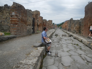 Walking the streets of Pompei